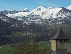 Holiday rental near Gavarnie in French Pyrenees. near Esquieze Sere