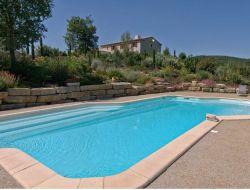 Grand gite avec piscine a louer dans l'Aude.