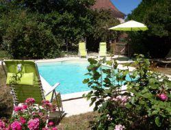 Gîte avec piscine à louer dans le Périgord.