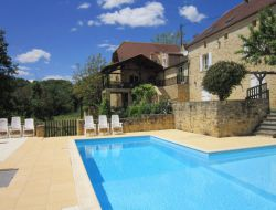 Big capacity holiday home with pool in Dordogne, France.