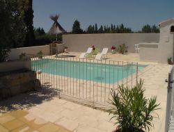 Location d'un mas avec piscine dans le Gard.