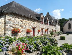 Big capacity cottages in the Morbihan, Brittany. near Missiriac