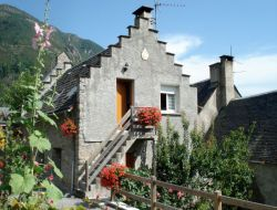 Holiday accommodations in French Pyrenean ski resort near Aragnouet