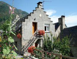 Gites a louer près de St Lary, Pyrénées.