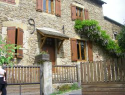Holiday cottages closes to Rodez in Midi Pyrenees, France. near Cruejouls