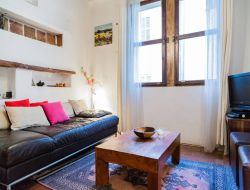 Self catering apartment in Aix en Provence. near Vitrolles
