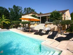 Location vacances avec piscine privée à Sarlat.