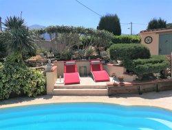 Gites avec piscine dans les Pyrénées Orientales.