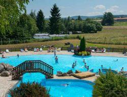 Village vacances avec piscine chauffée dans les Vosges.
