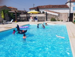 Holiday cottages with heated pool in Poitou Charentes