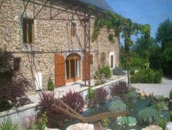 Gite de caractère avec piscine dans l'Aveyron.