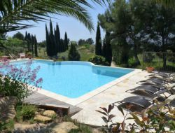 Holiday cottage with pool near Marseille in Provence near La Destrousse
