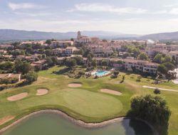 Locations vacances avec piscine en Provence.