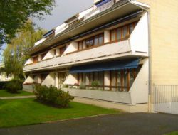 Holiday accommodation in Bayeux, Normandy. near Manvieux