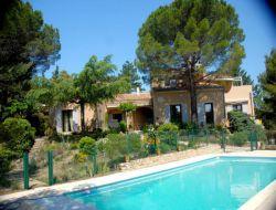Gîte avec piscine à louer dans la Drôme
