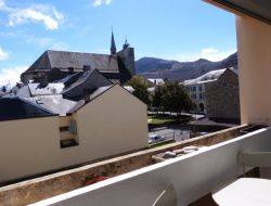 Holiday rental in a spa town of the Pyrenees, France. near Sère Lanso