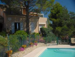 Holiday cottage with pool in Provence.