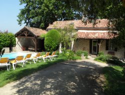 Big holiday home with pool in the Lot et Garonne.