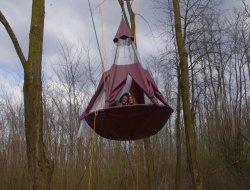 Séjour insolite en tente suspendue près de Lyon