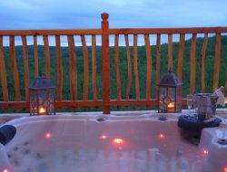 Location d'hébergements insolites avec spa dans le Périgord