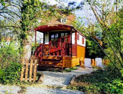 Unusual stay in a gypsy caravan in Alsace, France. near Duntzenheim