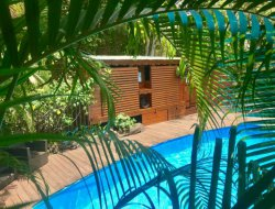 Case créole et Cabane dans les arbres en Guadeloupe