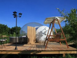 Unusual accommodation with jacuzzi in the Quercy. near Garganvillar