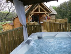 Perched huts with jacuzzi in Dordogne, Aquitaine. near Milhac