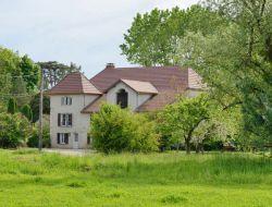 Grands gites a louer près de Salins les Bains 39.