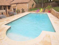 Gîte avec piscine a louer en Dordogne