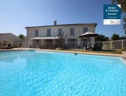 Gîtes de standing avec piscine en Charente Maritime