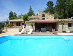 Holiday cottage with swimming pool in Provence. near Piegon