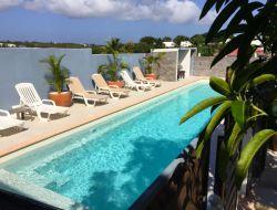 Location vacances avec piscine et jacuzzi en Guadeloupe