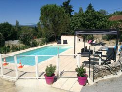 Holiday cottages with swimming pool in Ardeche.