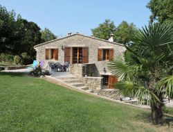 Large holiday cottage with pool in Provence, France. near Manas