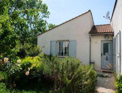 Gite a louer près de Forcalquier en Haute Provence.