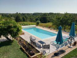 Location vacances avec piscine dans le Périgord Noir.