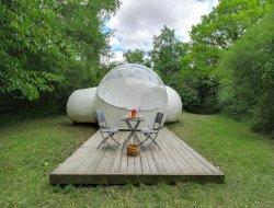 Séjour insolite en bulle transparente en Mayenne.