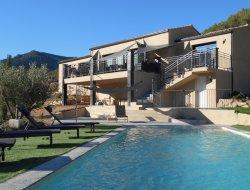 Location vacances avec piscine privée dans la Drome.