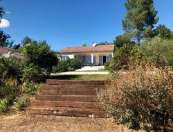 Location d'un villa avec piscine en Ardèche.
