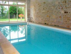 Gîte avec piscine intérieure à louer en Charente Maritime.