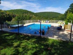 camping avec piscine chauffée dans le Lot