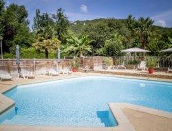 Camping avec piscine chauffée en Dordogne