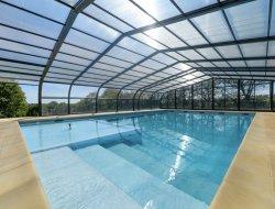 Mobilhomes avec piscine couverte et chauffée en Vendée.