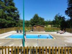 camping avec piscine chauffée près du lac de Der