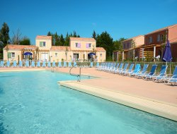 Locations de vacances les baux de Provence.