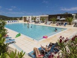 Locations vacances climatisées avec piscine en Corse.