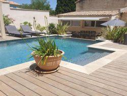 Gites avec piscine près des Baux de Provence.
