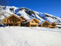 Locations vacances avec piscine chauffée en Savoie.