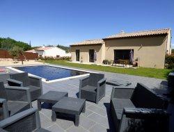 Location vacances avec piscine privée dans le Vaucluse.